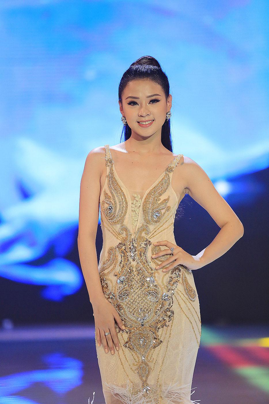 Thien Huong Thi Nguyen Nude Photos 38