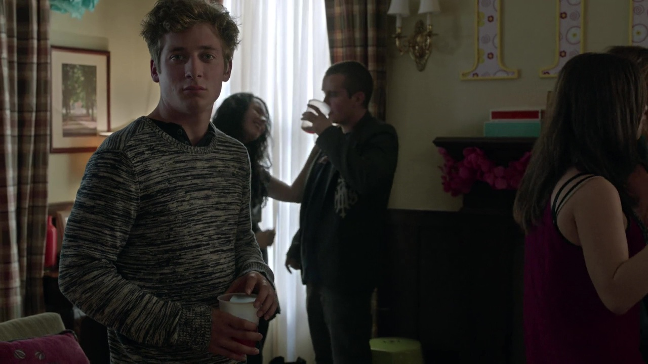 ausCAPS: Jeremy Allen White and Scott Michael Campbell