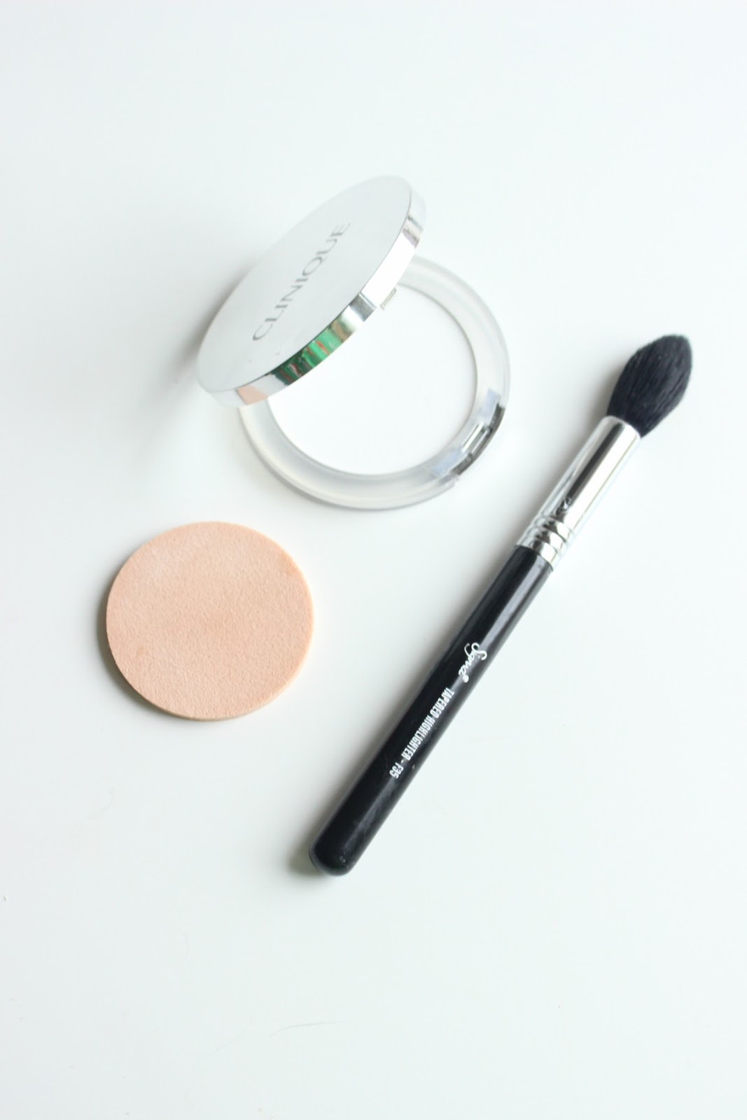 Clinique Stay-Matte Universal Blotting Powder