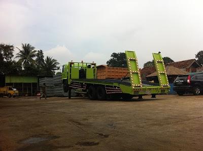 truck hino ranger self loader surabaya
