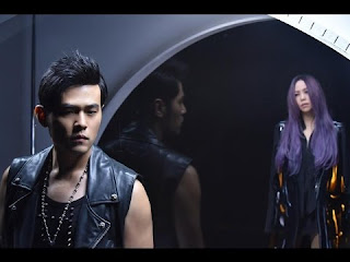 Jay Chou 周杰倫  & Zhang Hui Mei 张惠妹 Bu Gai 不該  Shouldn't Be Mandarin Hanyu Pinyin Lyrics
