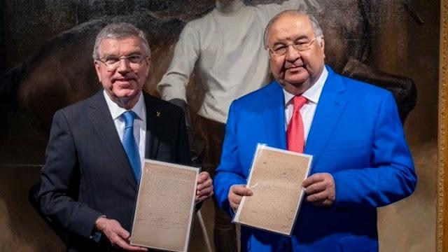 Ο Ουσμάνοφ δώρισε στο Ολυμπιακό μουσείο το μανιφέστο του ντε Κουμπερτέν