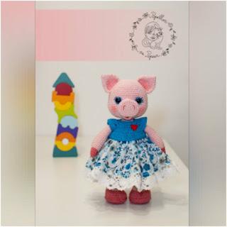 patron amigurumi Miss Piggy papillon en papier
