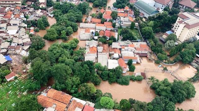 Fenomena Banjir dan Dendam Kesumat Cebong Kampret