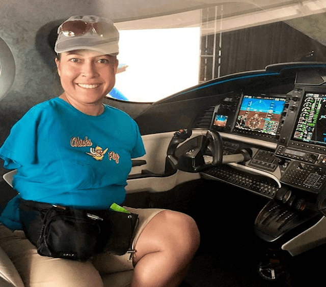 A pilot without arms warms people hearts, Jessica Cox photos and trending video