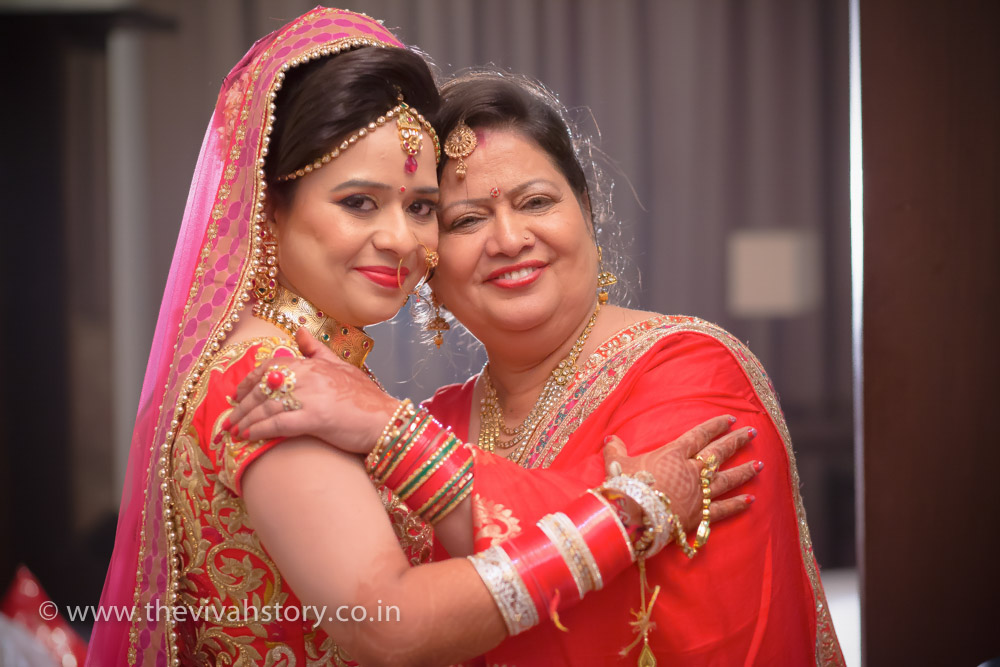 candid wedding photographer in Madipur