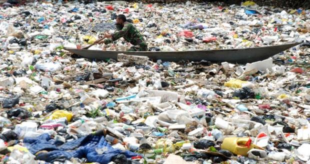 Gubernur Aher Gandeng TNI Bersihkan Lautan Sampah Citarum