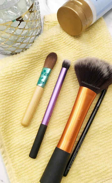 How To Easily Clean Your Makeup Brushes | A Relaxed Gal