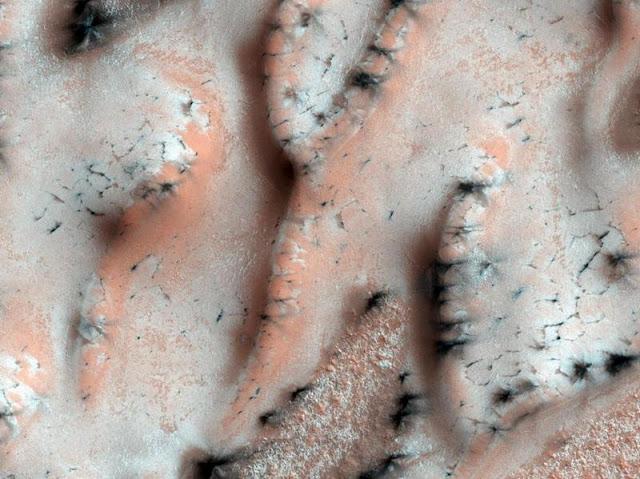 The average temperature on Mars is -63 ° C.