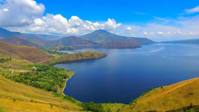 The Beauty of Lake Toba in Medan West Sumatra