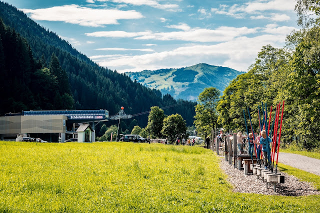 Motorikweg an der Saalachpromenade | Wandern mit Kindern in Saalbach 01