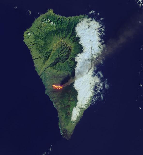 Fluxo de lava incandescente visto pelo satélite Landsat 8 da NASA