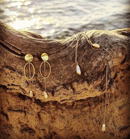 Boucles d'oreilles et chaîne de dos collection Divine Idylle Gisèle & Simone x Le Baiser de la Mariée