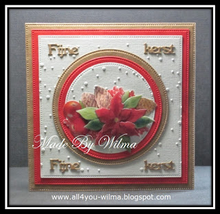 Een vierkante kerstkaart met cirkels en een 3d-plaatje. A square Christmas card with circles and a 3d-picture.