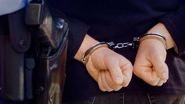 Συλληψη στην Πελοπόννησο για παραβίαση των μέτρων περιορισμού της διάδοσης του κορωνοϊού