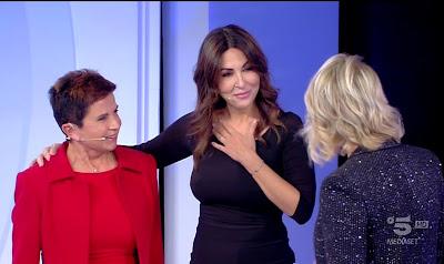 Sabrina Ferilli con la mamma Maria de Filippi c'è posta per te
