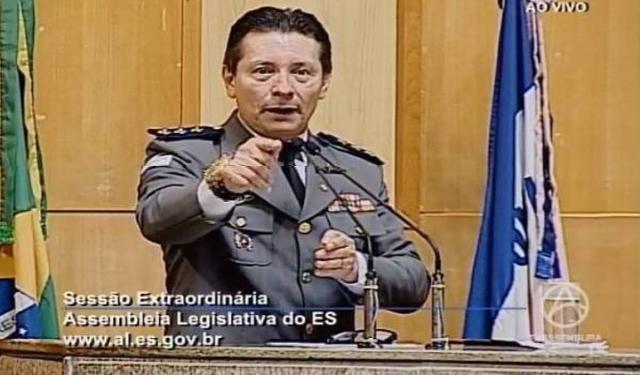 """""""Não vale dar onde ele está localizado não, tem que entregar o cara morto, aí eu pago"""", disse o deputado Capitão Assumção (PSL), na Assembleia Legislativa do Espírito Santo"""