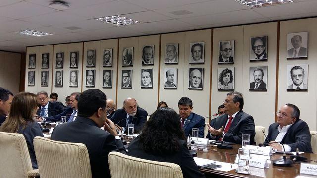 Governadores e a secretária nacional do Tesouro, Ana Paula Vescovi, buscam alternativas para capitalizar os estados