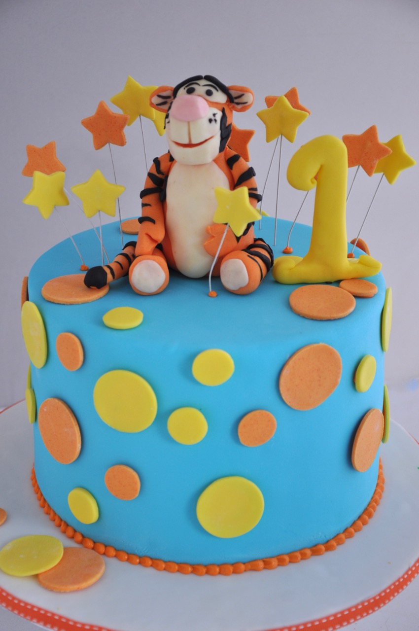 Rozanne Makes Cool Kids Cakes In Durbanville Cape Town This Is Our Newest Tigger Cake For A One Year Olds Birthday Party Last Week