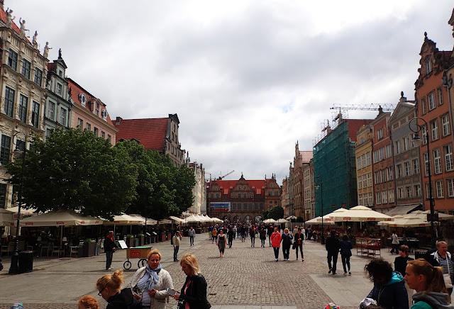 Długi Targ, jedna z najbardziej reprezentacyjnych ulic starówki w Gdańsku
