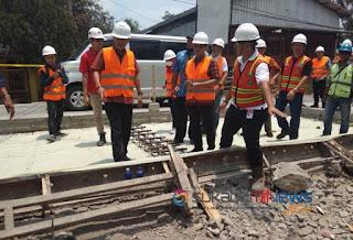 *kontribusi pt scg dalam pembangunan dan pemeliharaan jalan provinsi*