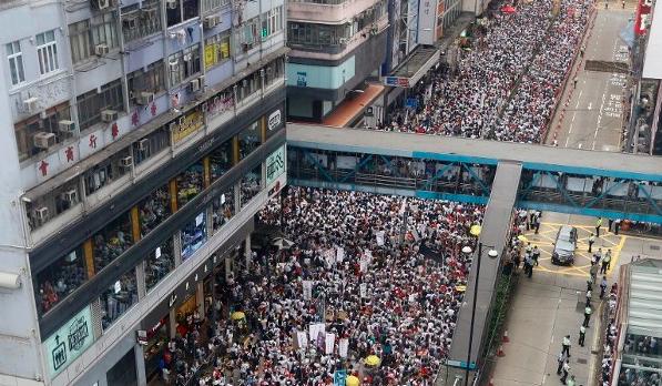 Masyarakat Hong Kong Pawai Besar-Besaran untuk Protes terhadap RUU Ekstradisi Kontroversial