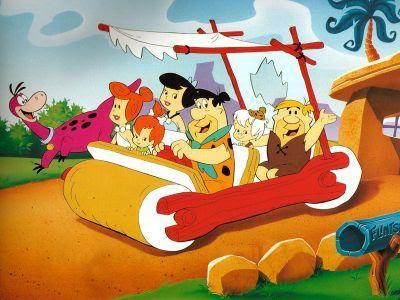 Dibujo Los Picapiedras y los Mármol de paseo en el troncomovil