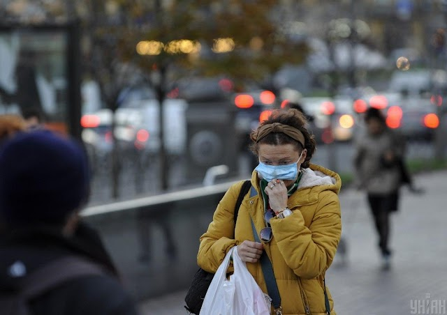 Koronavírus - Ukrajnában mintegy ötezer új beteget jegyeztek fel