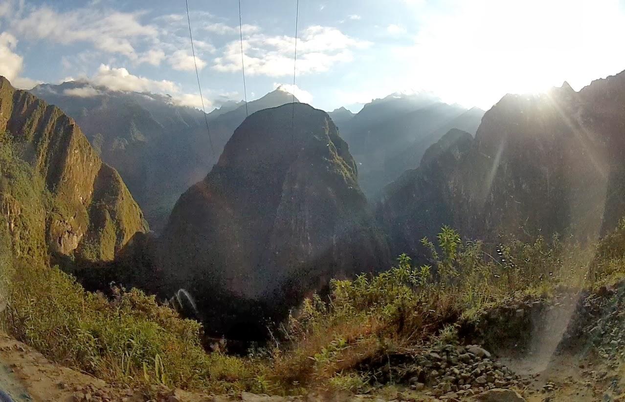 Paisagem a partir da estrada para Machu Picchu / Peru.