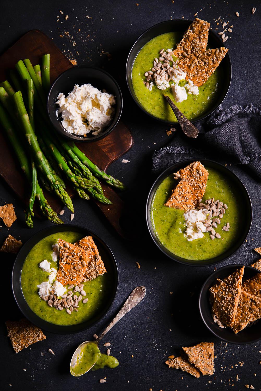 Zupa krem z zielonych szparagów i brokułu