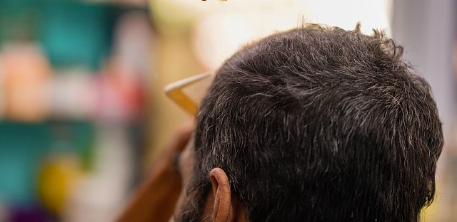 Apakah Sakit Tipes Bisa Menyebabkan Rambut Rontok?