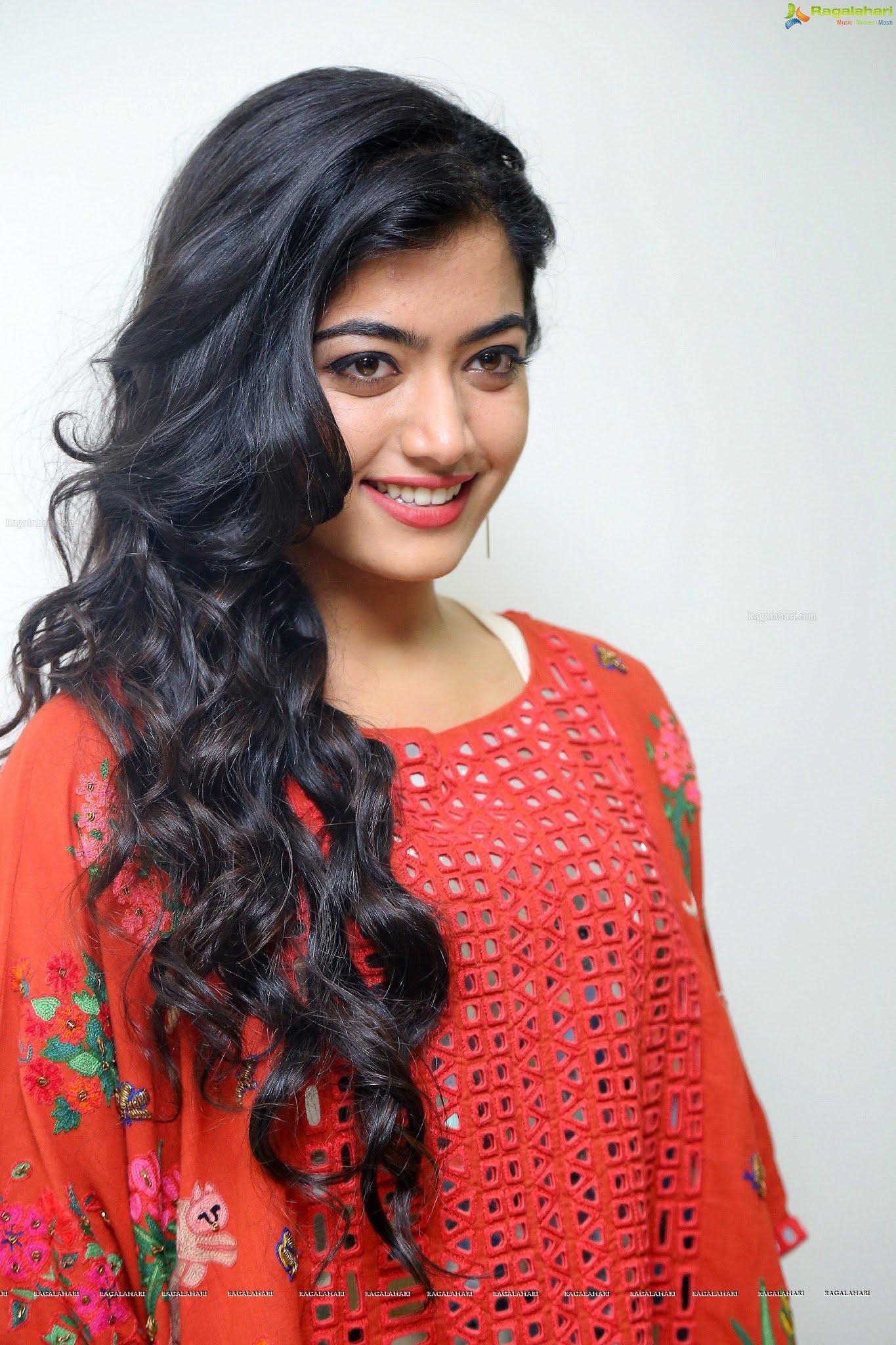 Rashmika Mandanna side look