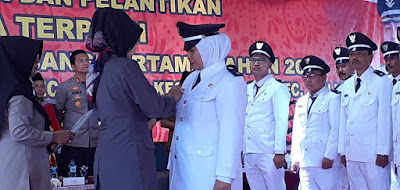http://www.topfm951.net/2019/07/bupati-perintahkan-kades-melek.html#more