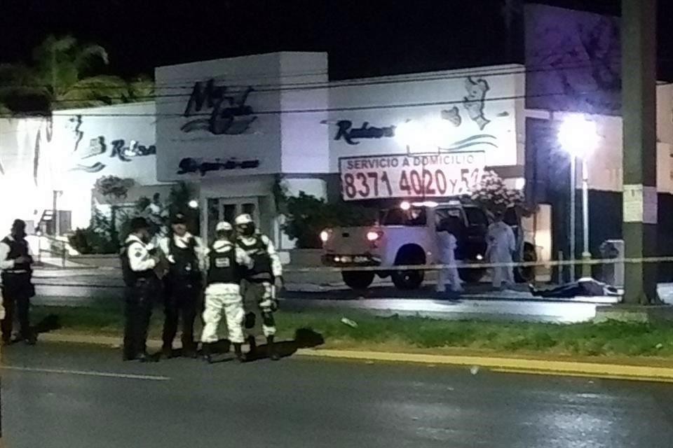 Acribillan a abogado, a su esposa y a otro hombre en Monterrey