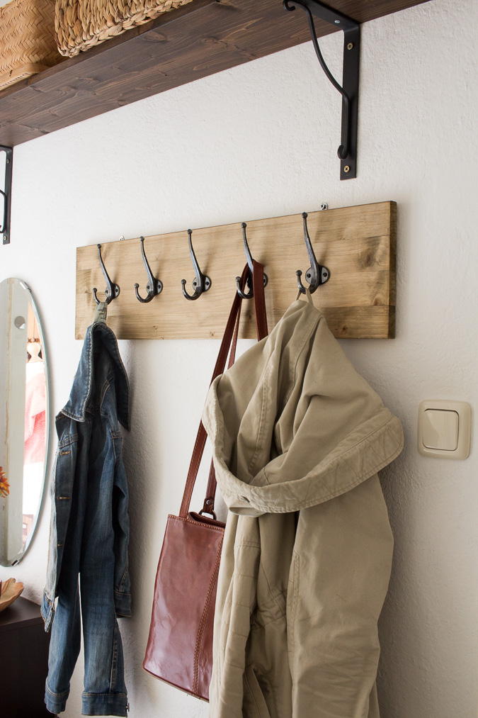 Diy hakenleiste f r garderobe bauen green bird diy for Garderobe como
