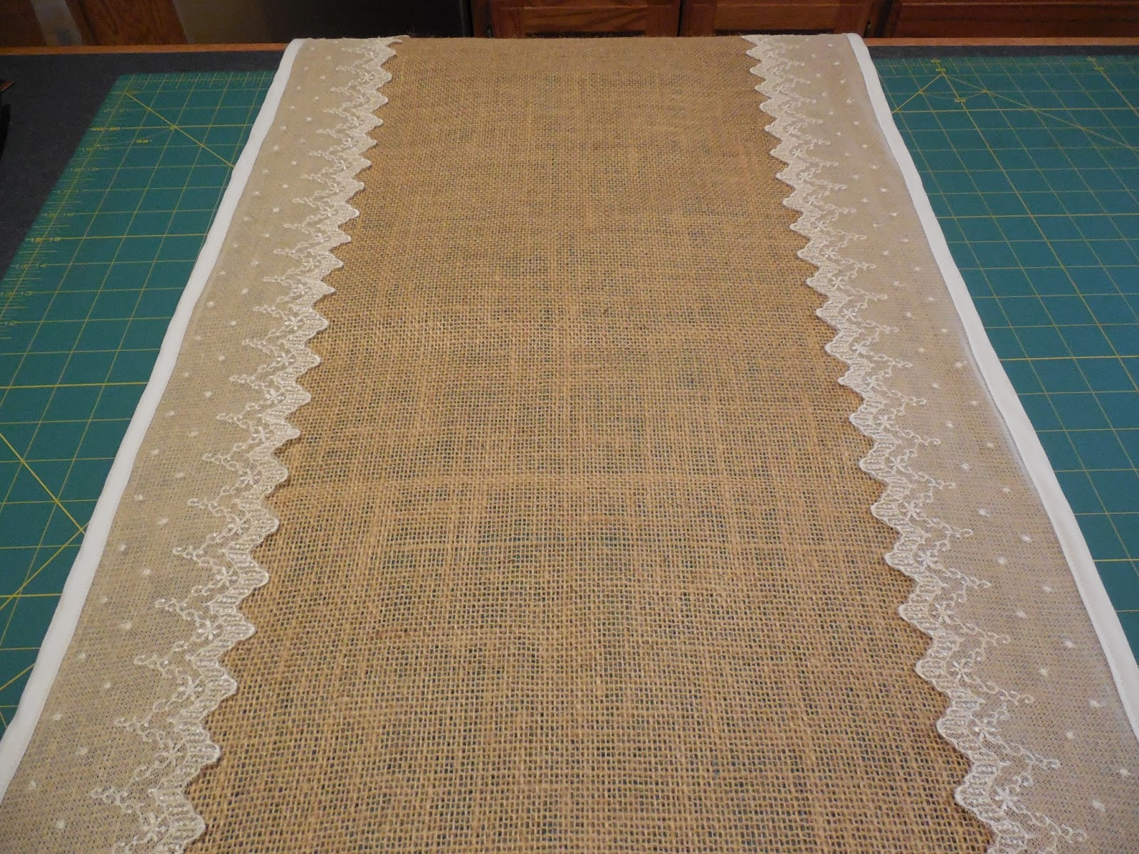 Fabric Obsession Burlap Amp Lace Table Runner Tutorial