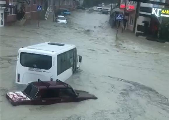Наводнение на Кубани: что происходит в Сочи, Туапсе и Адлере