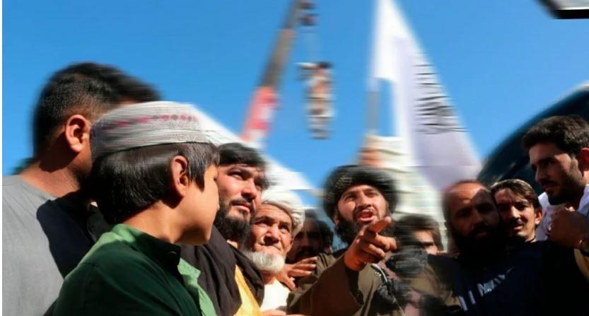 तालिबान का वहशी चेहरा आया सामने ,खौफ कायम करने के लिए हत्या कर चौराहे पर लटकाया शव