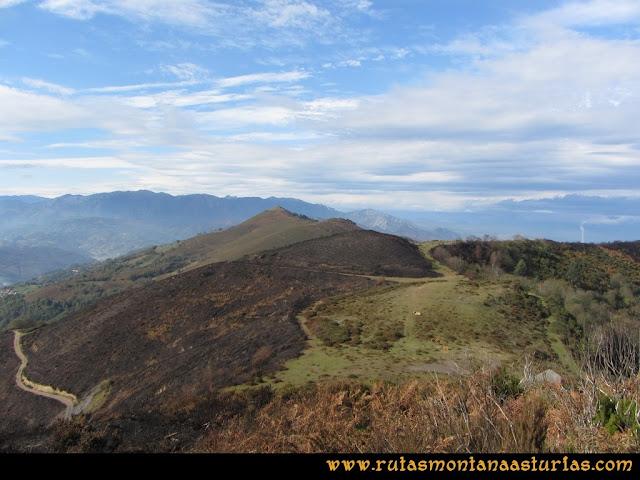 Ruta al San Justo o Cogollu: Vista del pico Polio desde el pico San Justo