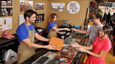 auxiliar de loja em curitiba