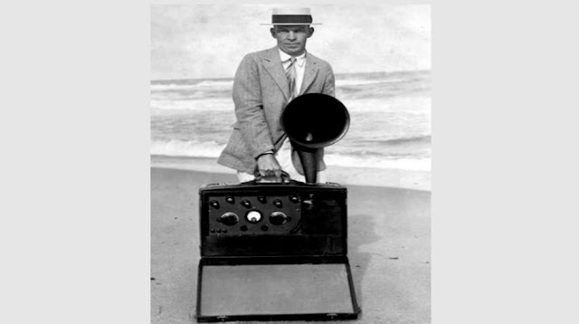 Who was the inventor of FM radio?
