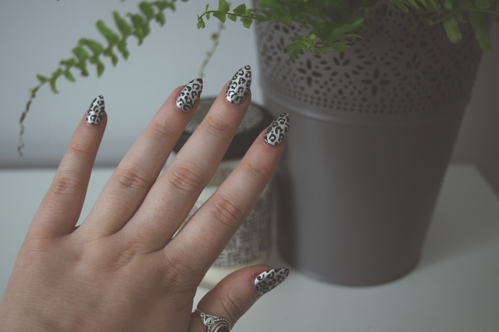 Two Tool Nail Art | LEOPARD PRINT | Hollie Rose