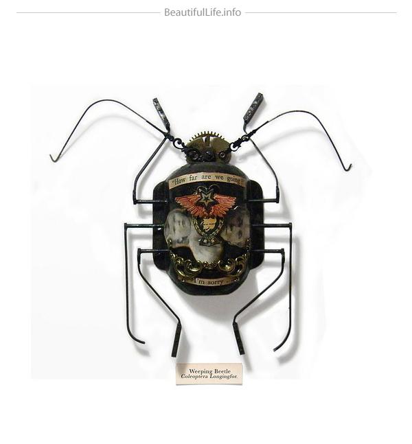 Insecto hecho con engranes y otras cosas recicladas
