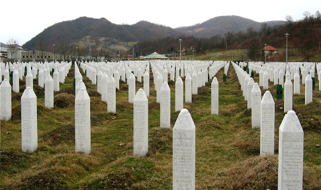 Srebrenitsa Katliamı, Toplu Mezarlar
