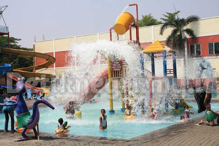 Kolam Renang Puri Beta Waterpark Ciledug