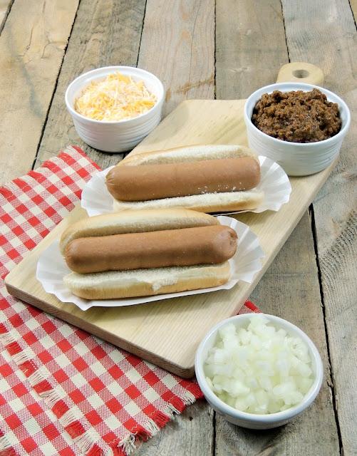Authentic Coney Island Hot Dog Chili from www.bobbiskozykitchen.com