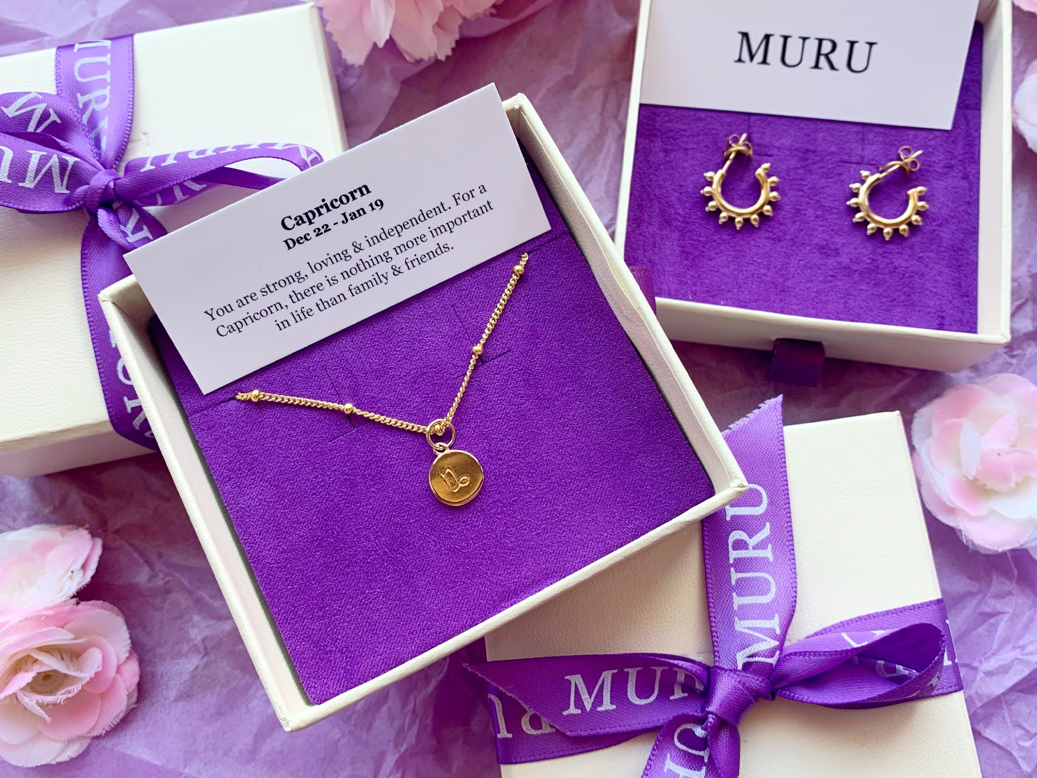 Muru Jewellery Bracelet and Earrings in their gift wrapping