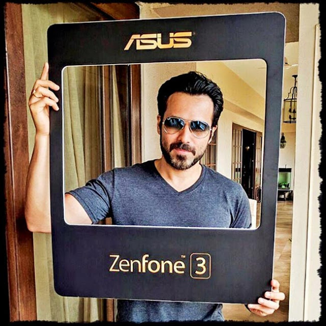 Emraan Hashmi promotes Asus Zenfone 3 series smartphones - Bollywood actor Emraan Hashmi snapped during promotion of Asus Zenfone 3 series smartphones