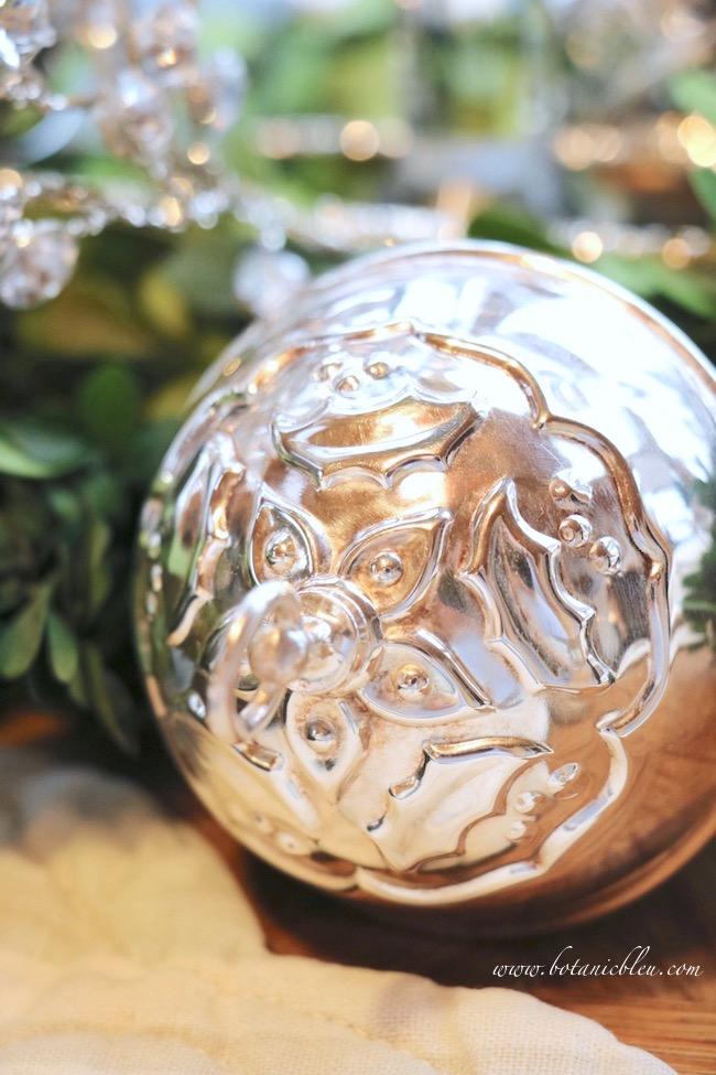 christmas-sleigh-bell-tablesetting-silverplate-bell