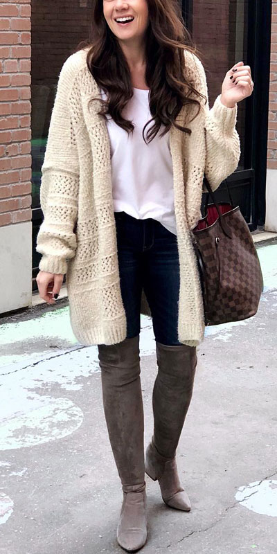 Looking for casual winter outfits? Consider these 23 Fabulous Winter Outfits To Get You Through The Season with Style. Fashion for Women via higiggle.com | winter outfits with boots, knit | #winter #fashion #knit #cardigan